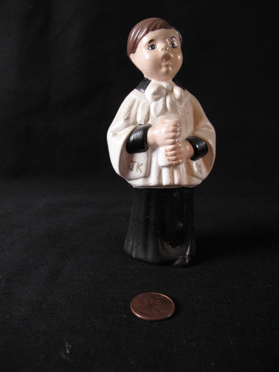 choirboy-figurine-550